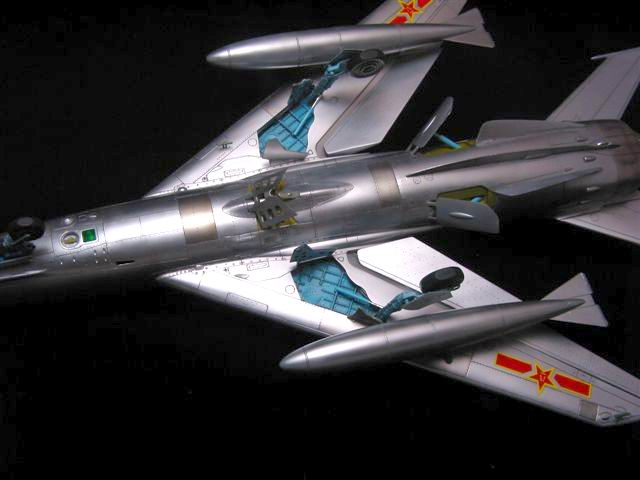 FT-6 (MiG-19) by Louis Chang (Trumpeter 1 32) Mikoyan MiG-19 - how would you weigh a plane without scales