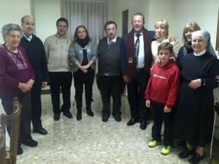 La Fundación Huellas de Solidaridad entrega un donativo de 6.000 euros a la Residencia de las Hermanitas de los Pobres