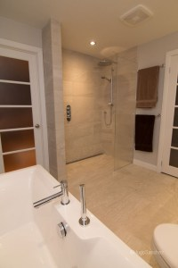 Curbless shower designs - Cramiques Hugo Sanchez Inc