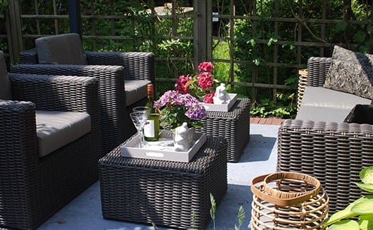 Trends in tuinmeubels: van wit plastic tot steigerhout : )