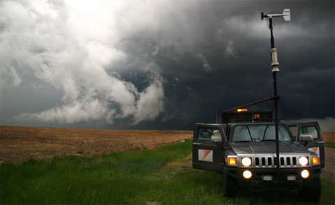 Car Chase Wallpaper Storm Chasing Hummer H3t Catches Twister On Camera