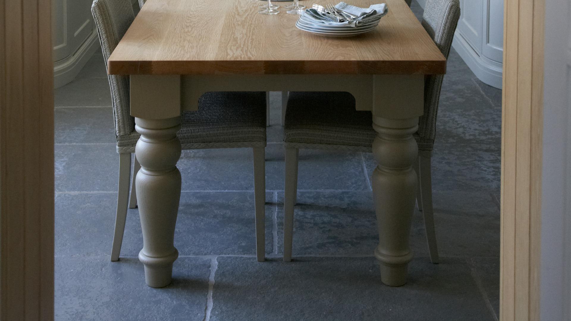 Blenheim Limestone Tumbled - Humphrey Munson Stone Atelier - St Albans