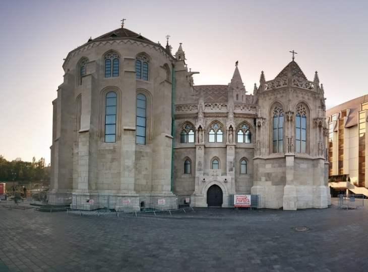Strange panorama shot of Matthias Church
