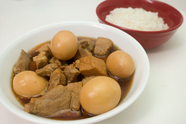 thit kho, Vietnamese braised pork and eggs