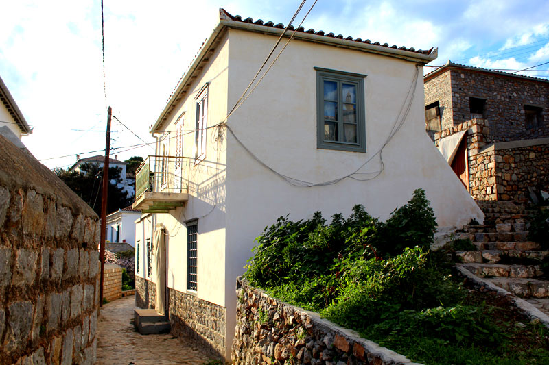 Hydra Homes List Of Houses Apartments Villas And Land