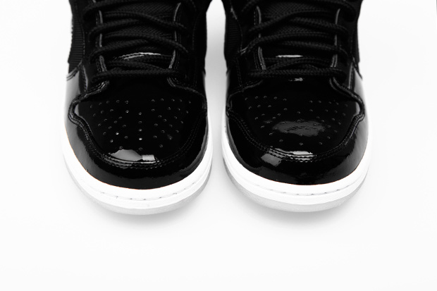 "Image of Nike SB Dunk Low Pro ""Space Jam"""