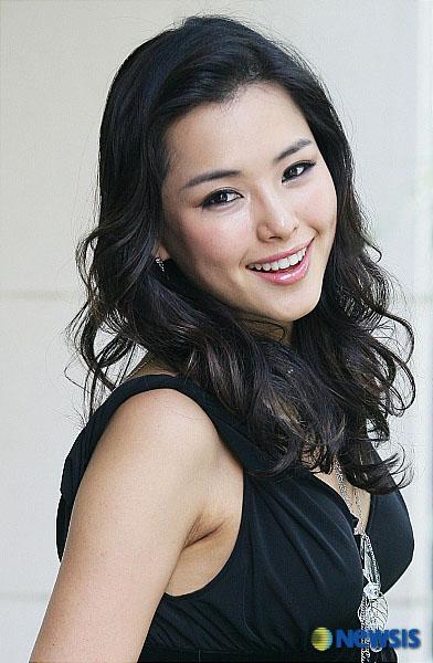 Wallpaper Girl Band Korea Actress Lee Honey To Make Her Return In Drama I D Rather