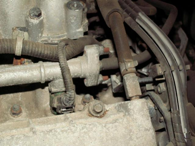 where is fuel service port - Hyundai Forum - Hyundai Enthusiast Forums