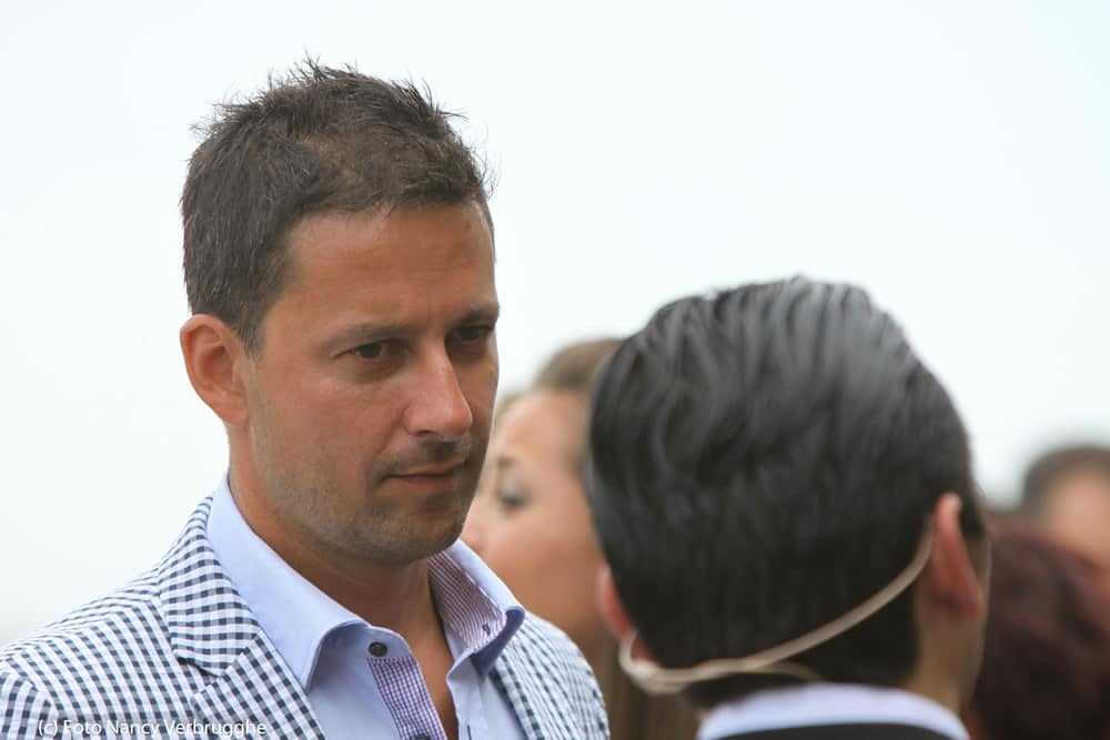 Olivier Blanchard listens to Brian Solis during the Social Business Sessions break – picture Nancy Verbrugghe