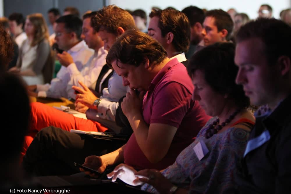 Tweeting and sharing at the Social Business Sessions with Brian Solis by i-SCOOP – picture Nancy Verbrugghe