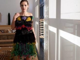Недорогие платья из резинок для денег