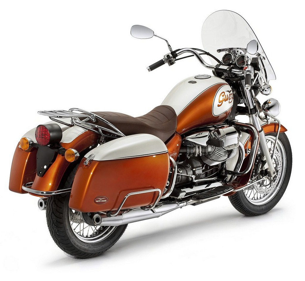 Moto Guzzi California 90th Anniversary Edition 01