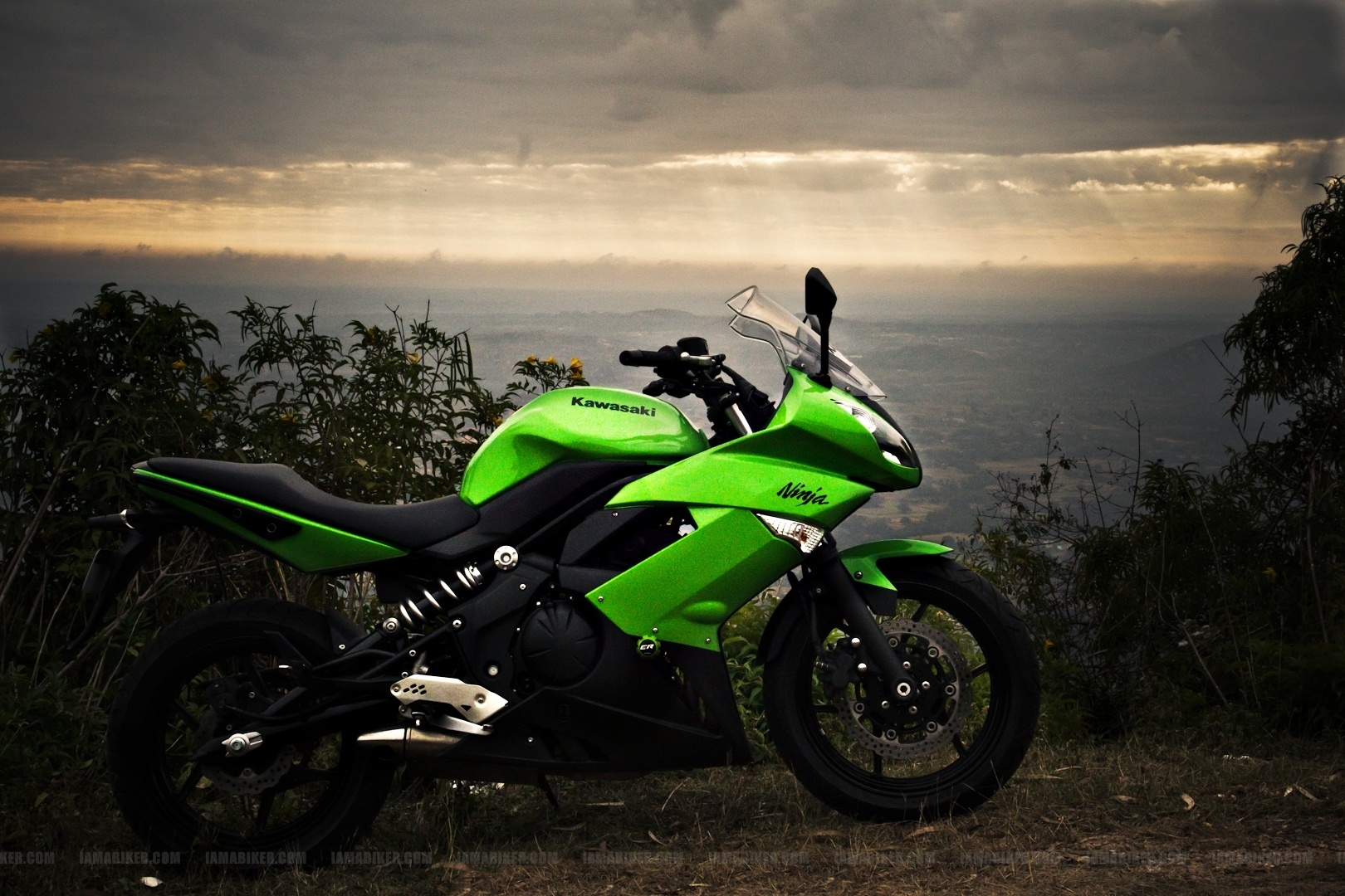 Kawasaki Ninja 650R wallpapers 01 IAMABIKER