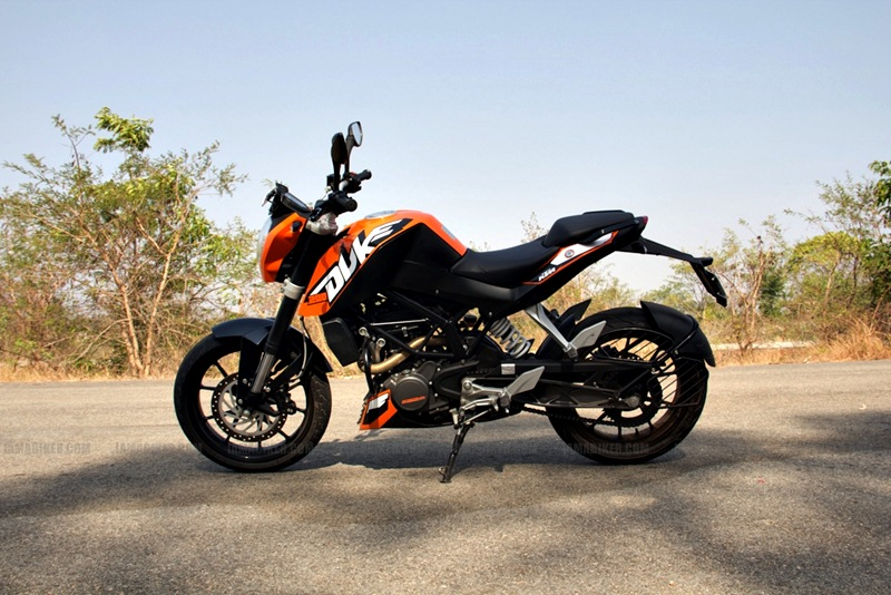 KTM Duke 200 Review - Side profile
