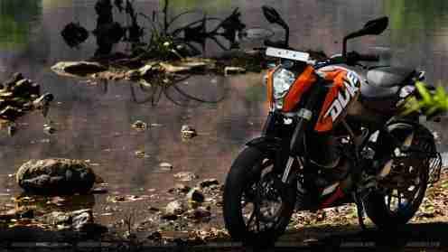 motorcycle wallpapers ktm india ktm duke 200 wallpapers ktm duke 200 ktm 200 specifications KTM duke 200 wallpapers duke 200 bajaj
