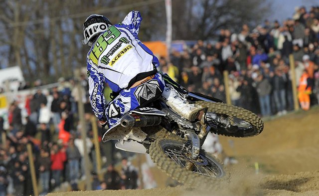 MX1-GP Monster Energy Yamaha see success in Italy and UK
