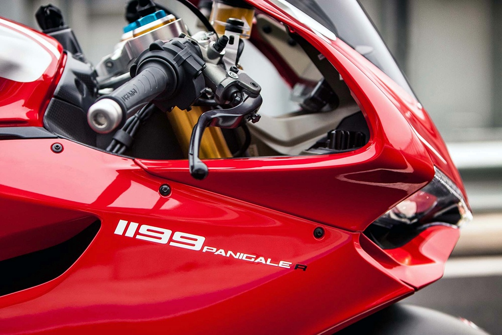 ducati 1199 panigale r photographs - 07