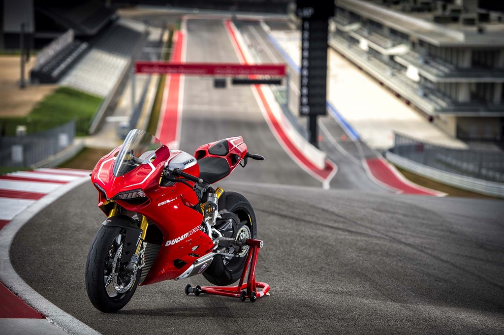 ducati 1199 panigale r photographs - 19
