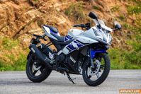 yamaha yzf r15 v2 yamaha r15 v2.0 yamaha r15 v2 detailed photographs yamaha r15 v2 yamaha motorcycles india Yamaha motorcycle reviews bike reviews