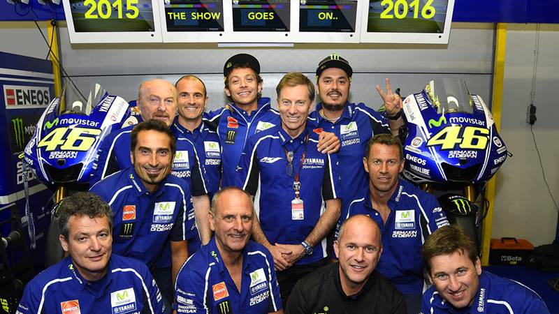 valentino rossi motogp yamaha contract extended