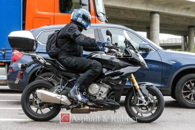 2015 BMW S1000XR in photographs - 1