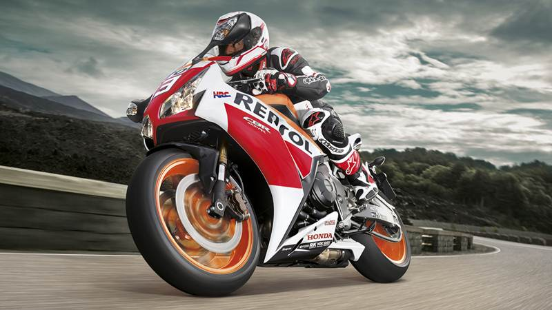 2015_CBR1000RR_Fireblade featured