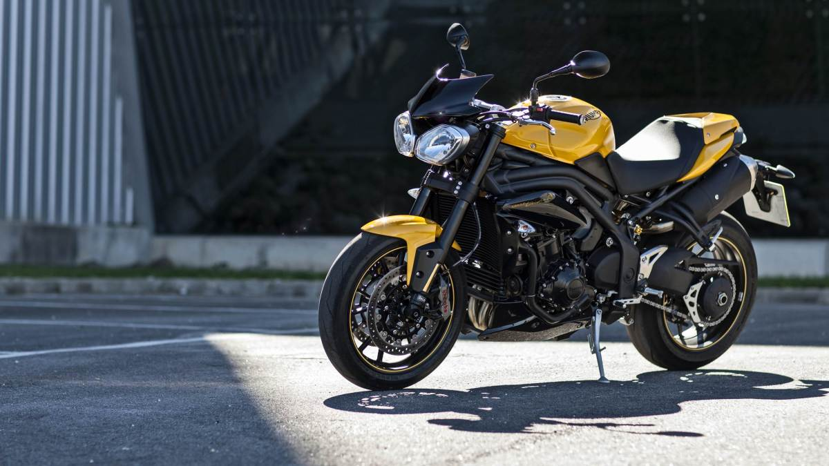 2015 Triumph Speed 94 - racing yellow colour option