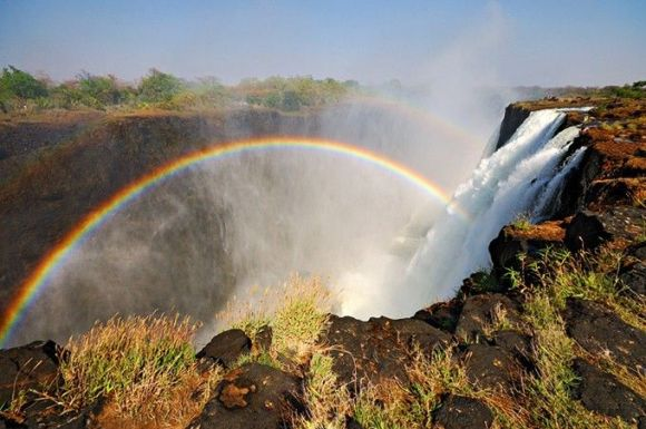 Breathtaking-rainbows-over-Victoria-Falls-the-world-s-largest_1