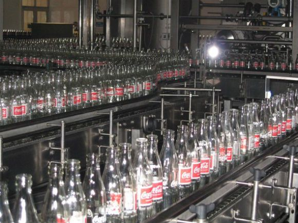 if-every-drop-of-coke-ever-produced-were-put-in-8-ounce-bottles-and-laid-end-to-end-they-would-reach-the-moon-and-back-over-2000-times