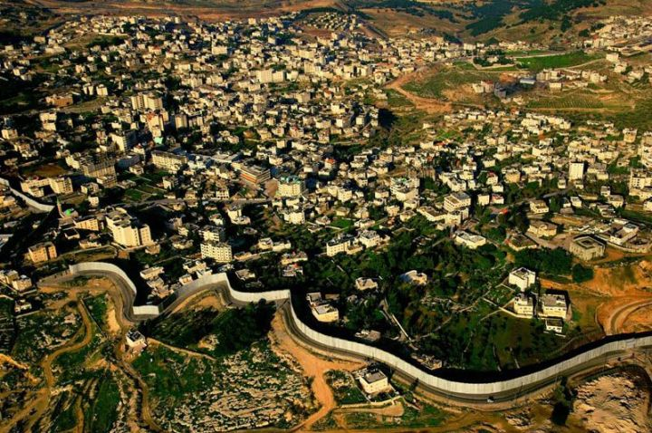 the-separation-wall-built-by-israel-in-the-west-bank
