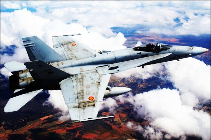 FA-18-Hornet-All-weather-Fighter2-1024x682
