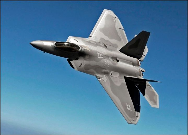 Virginia ANG transitions to F-22