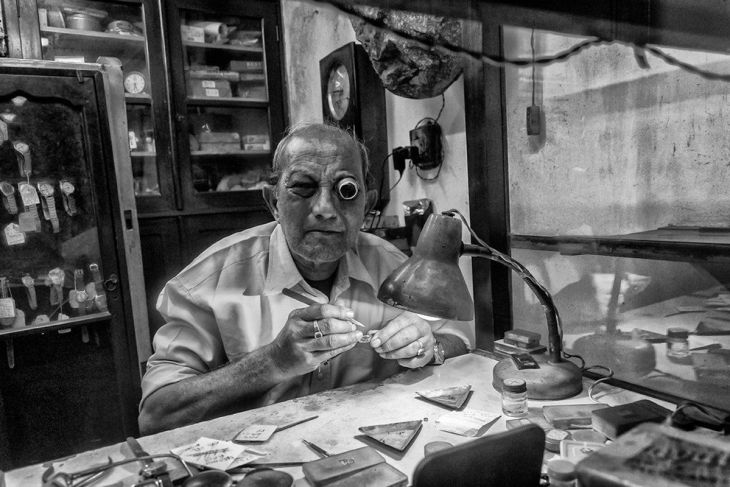 south-asia-winner-this-61-year-old-indian-man-has-been-repairing-and-making-watches-for-30-years