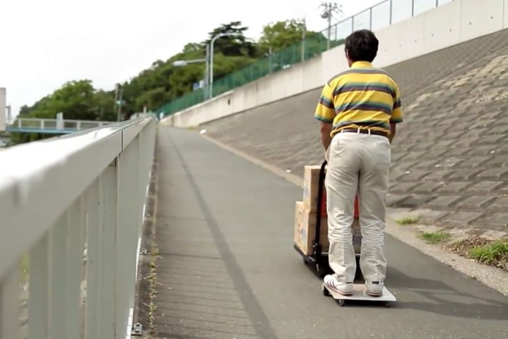 walkcar-the-worlds-smallest-electric-vehicle-00
