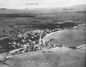 ... of Anzio.Nettuno is on the right. (Photo taken in September 1944