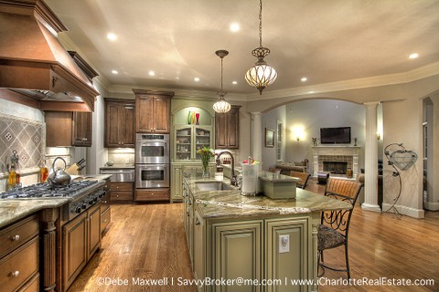 WOW Kitchen in Luxury Home Community