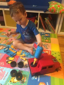 Idan building his truck
