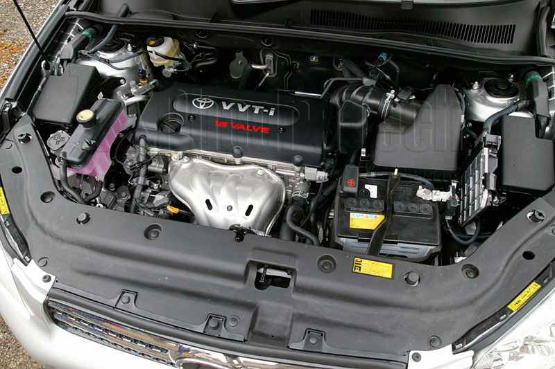 2011 toyota camry fuel filter location