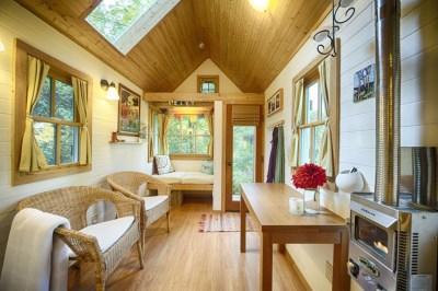 Charming Tiny Bungalow House | iDesignArch | Interior ...