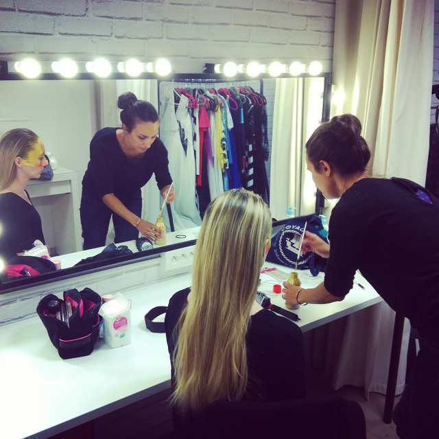 Shooting Time paillet ! clic clac maquillage magazine nantes