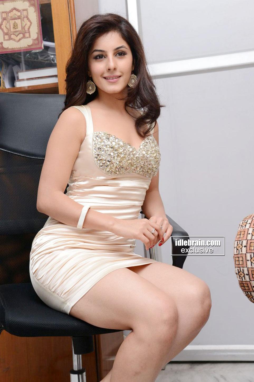 Drunk Girls Hd Wallpaper Isha Talwar Photo Gallery Telugu Cinema Actress