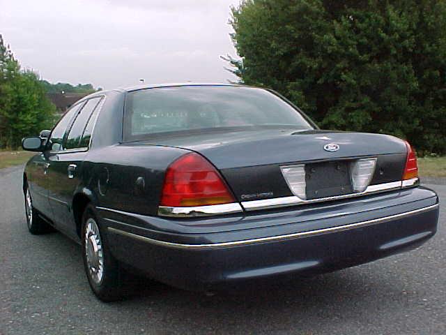 Ford Crown Victoria Police Interceptor P71