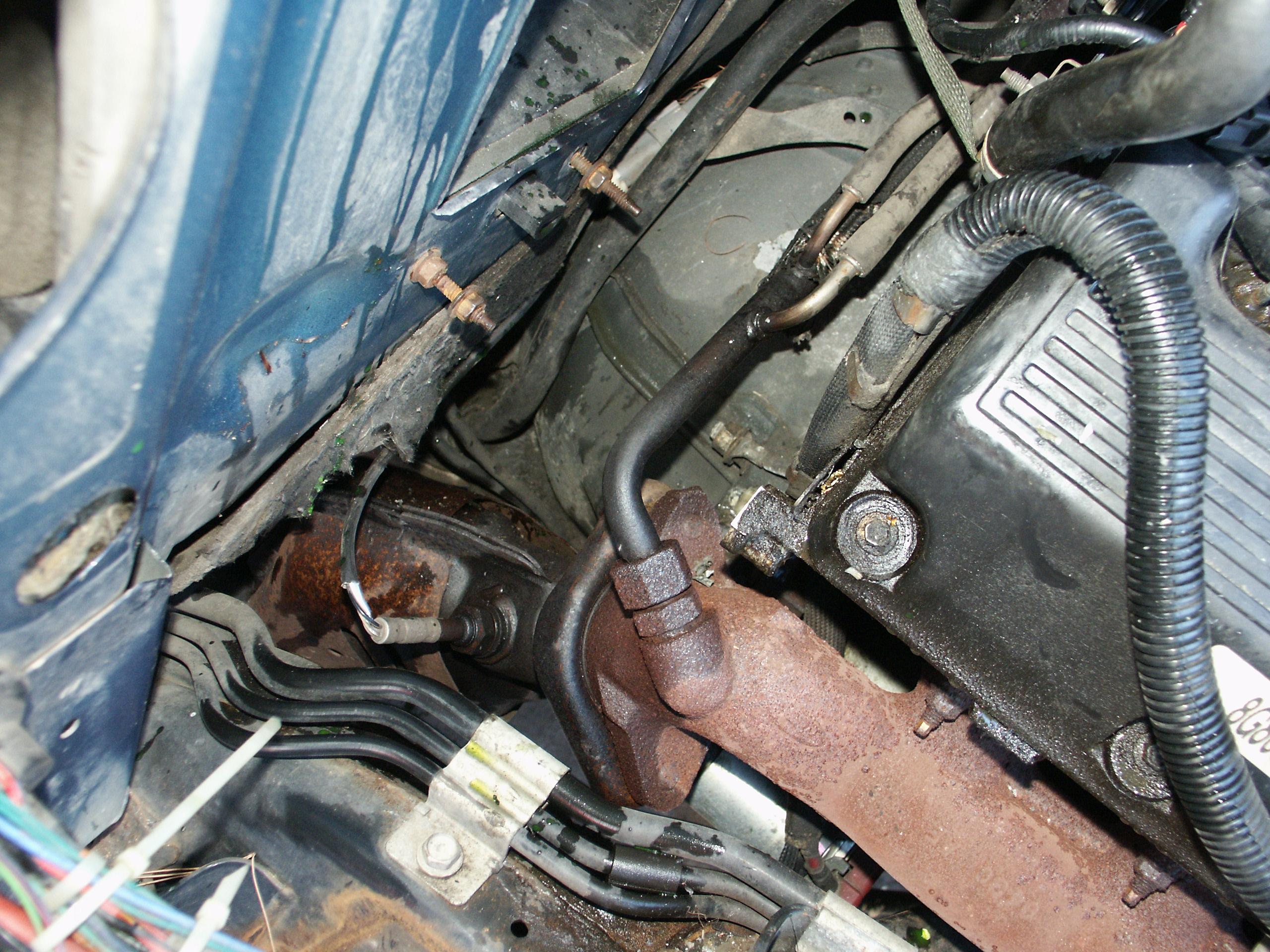 1999 crown victoria fuel filter