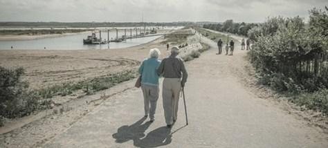 Παντρεμένο ζευγάρι επί 72 χρόνια αποκαλύπτει τα 13 μυστικά για έναν ευτυχισμένο γάμο [λίστα]