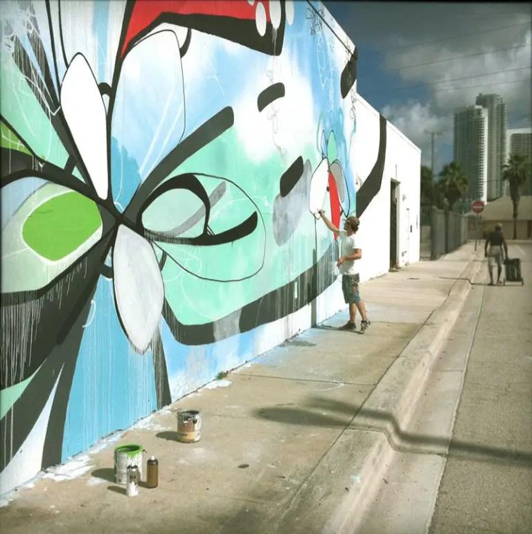 HENSE art basel miami Florida2 2010 IIHIH