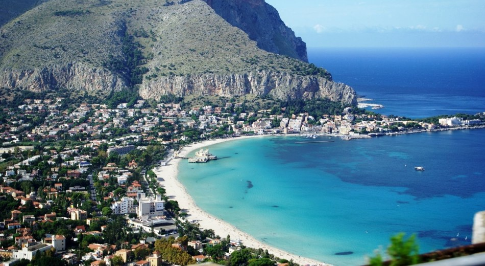 youtube-image-mondello-beach-italy