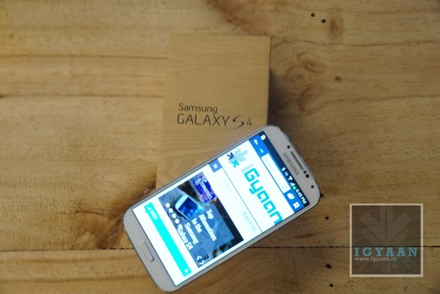 Samsung Galaxy S4 Unboxing 7
