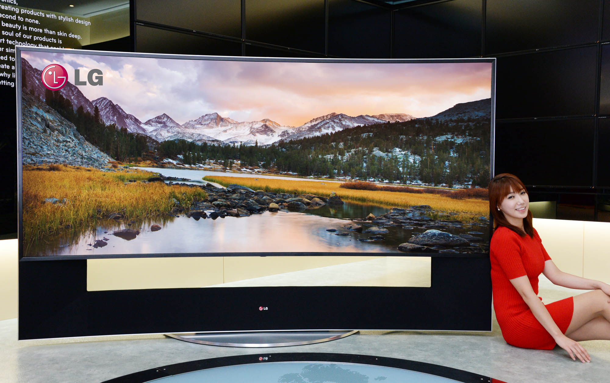 The OLED TV's from LG had some spectacular Displays