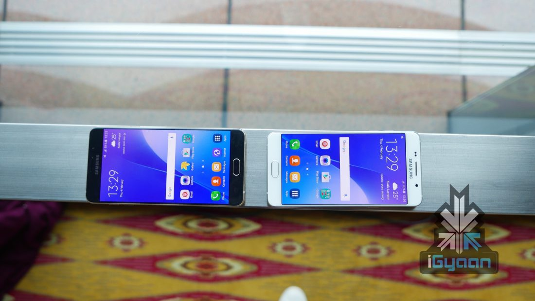 Galaxy A7 (left) and Galaxy A5 (right)