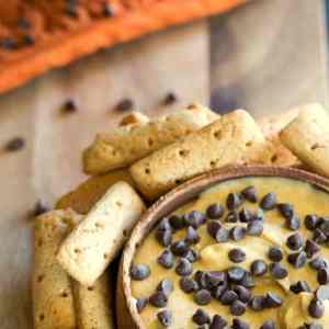 Pumpkin Chocolate Chip Cheesecake Dip